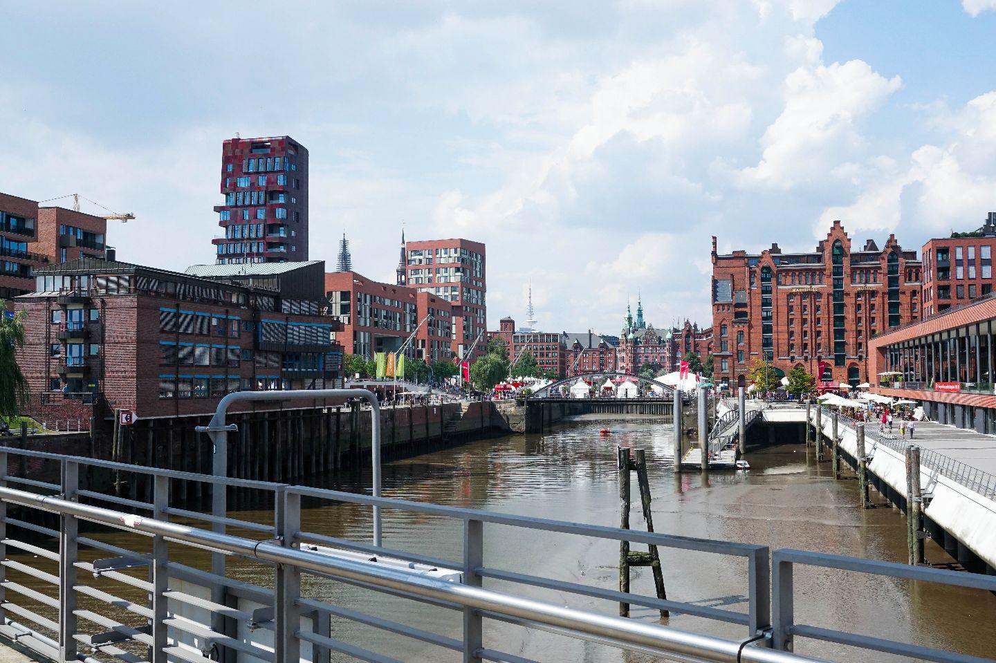 hamburg meine perle 25hours hotel hafencity. Black Bedroom Furniture Sets. Home Design Ideas